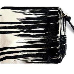 กระเป๋าเครื่องสำอาง ESTEE BLACK & WHITE COSMETICS BAG