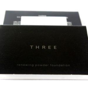 แป้งผสมรองพื้นขนาดทดลอง THREE RENEWING POWDER FOUNDATION